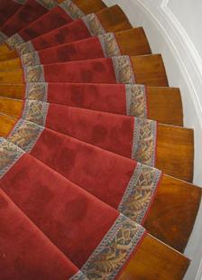 tapis pour escalier le sp cialiste des tapis et passages. Black Bedroom Furniture Sets. Home Design Ideas